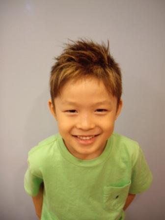 最新のヘアスタイル 男の子 小学生 髪型 : の髪型 キッズカット 男の子 ...